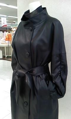 黒コート.JPG